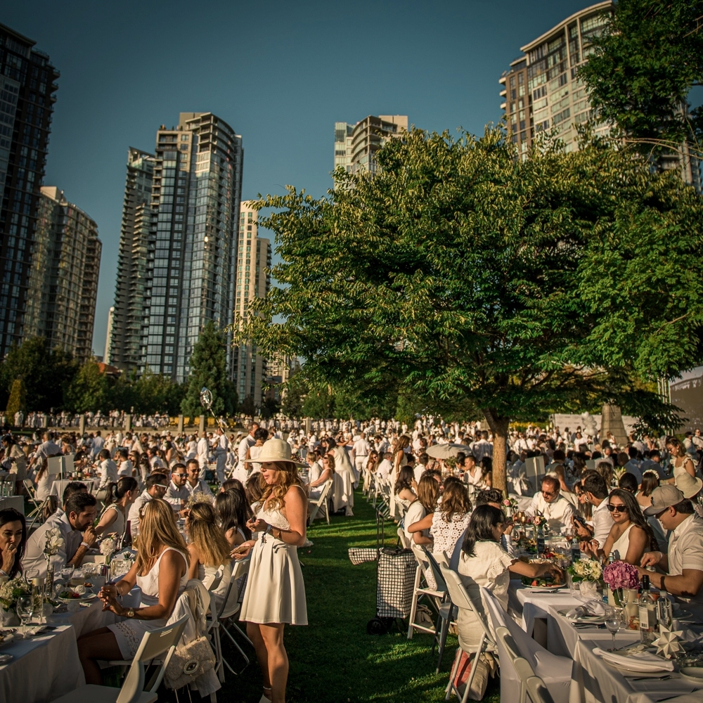 Folio.YVR Issue #6: The Divine Diner en Blanc Captivates